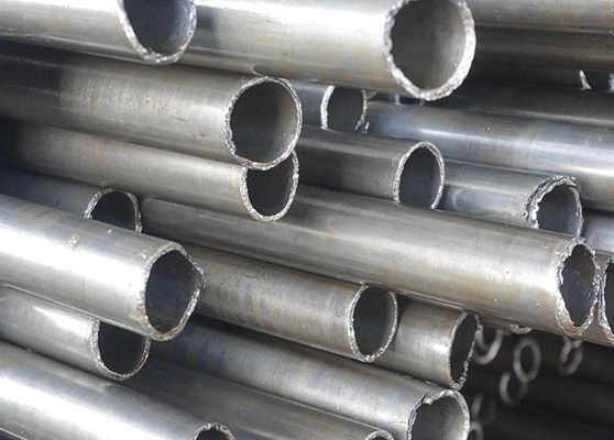 ASTM A53 / A106 Seamless Cold Drawn Seamless Carbon Steel Pipe Dengan Black Painting